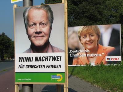 Grünen-Plakat mit Winni Nachtwei: Für gerechten Frieden