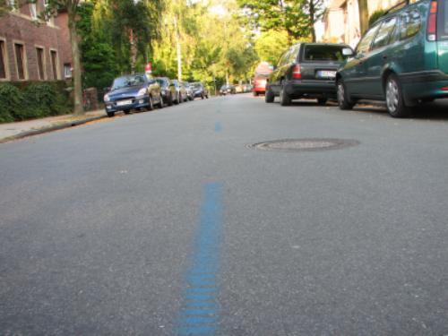 Blaue Linie an der Landoisstraße