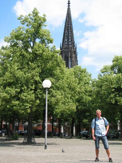 Björn vor der Lambertikirche