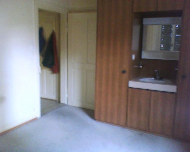 Schlafzimmer: leer und sauber