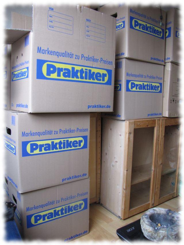 In unserer Bude sind nunmehr mehr Kartons und Einzelzeile als gut gefüllte Bücherregale.