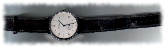 Ulfs Uhr, nach dem Aufziehen zu stellen vergessen.