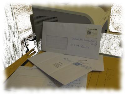 Drucker mit mehreren Beh�rdenbriefen.