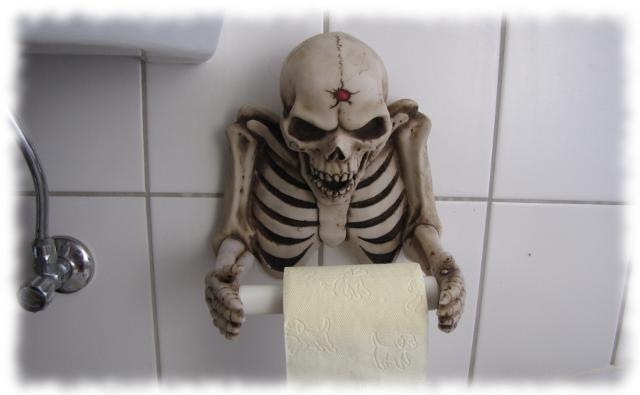 Skelettierter Klorollenhalter.