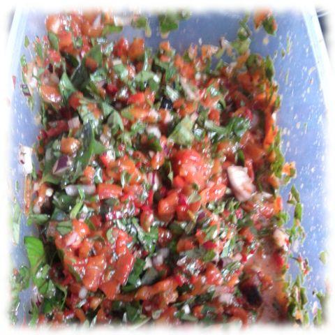 Paprika-Chili-Salsa fertig.