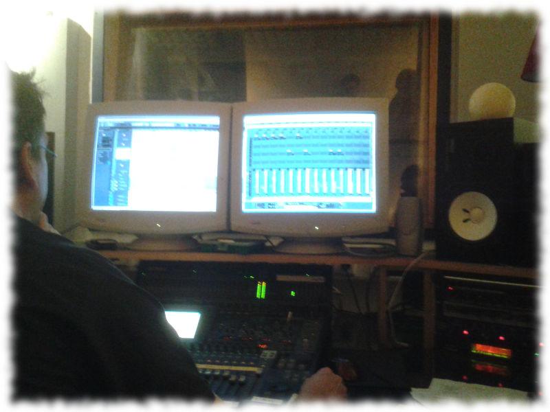 Blick auf den Aufnahmecomputer im Tonstudio.