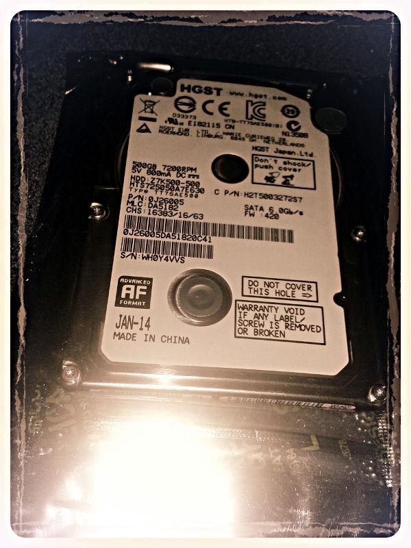 Festplatte 2,5 Zoll, noch in der Schutzfolie.