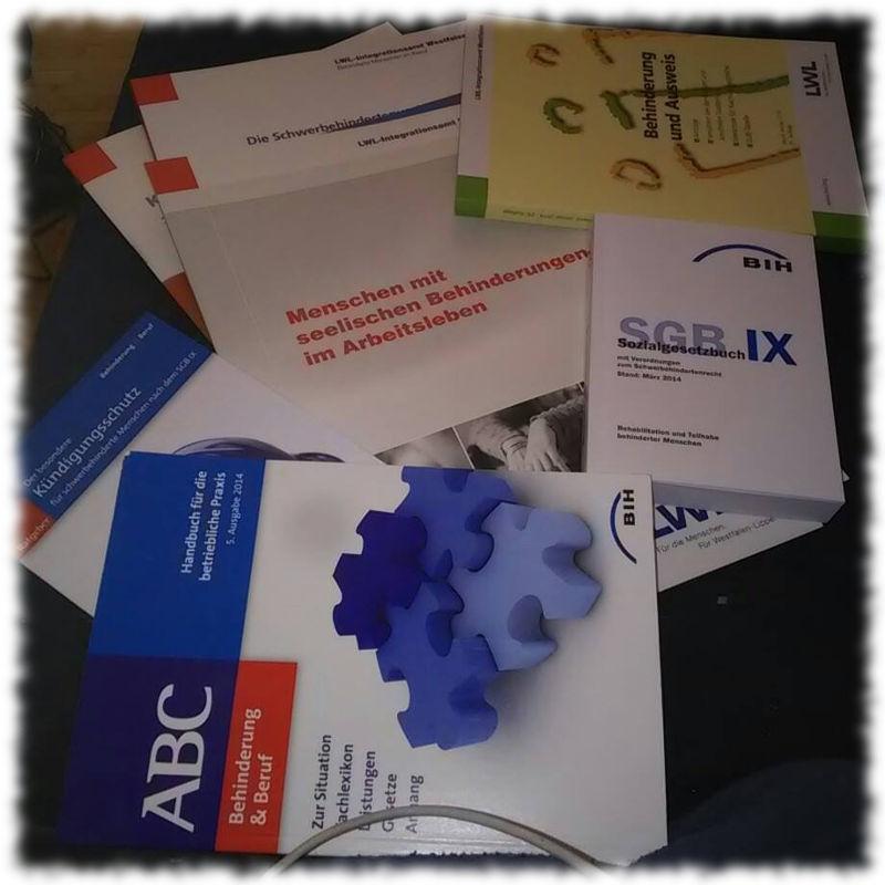 Bücher und Broschüren zum Schwerbehindertenrecht.