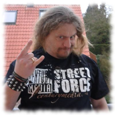 Ulf mit Streetteam-T-Shirt.