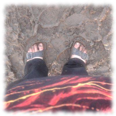 Verschlammte Füße.